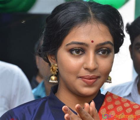 actress lakshmi menon biodata lakshmi menon actress related keywords lakshmi menon