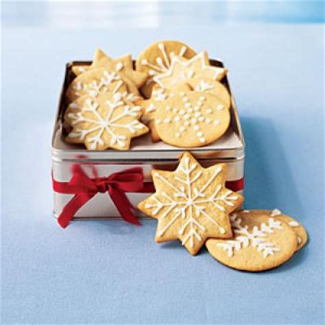 christmas sugar wafers with vanilla icing 10 timeless