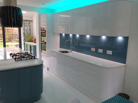 Handleless White & Blue German Kitchen   Bishops Stortford