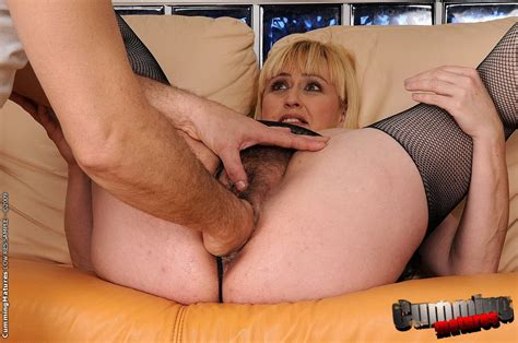 Stocking Mature Whore Gets Her Hairy Pussy Hard Fisted