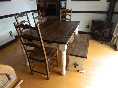 mobilier de cuisine en bois massif table de cuisine en pin massif avec finition la