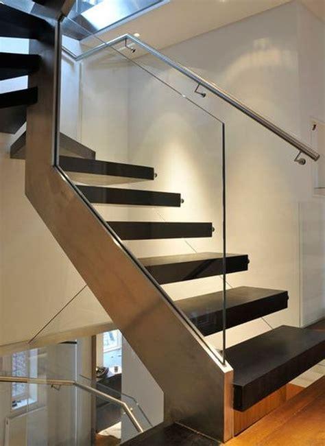 15 Glass balustrades ? a versatile, practical and elegant