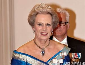 Some of the most magnificent royal jewels in the world ...