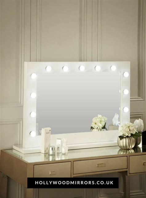 25 best ideas about mirror with lights on