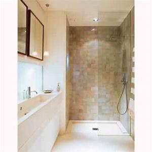 Salle De Bain Etroite : une salle de bain en carrelage tout en longueur id es pour la maison en 2019 salle de bains ~ Melissatoandfro.com Idées de Décoration