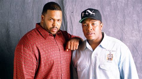 Marion 'Suge' Knight claims Dr. Dre paid $20,000 to have