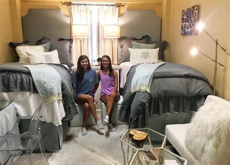 fancy beds for 15 unique ways ole miss are decorating their rooms