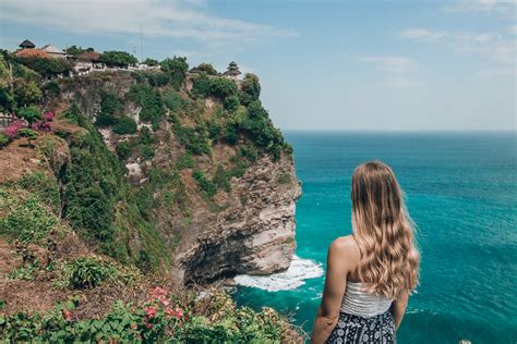 uluwatu temple  complete guide  visiting