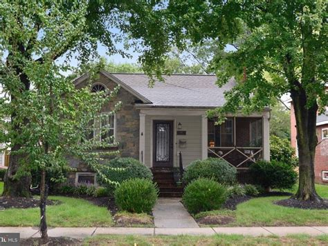 Featured Del Ray Home Price Lowered On 1940 Bungalow