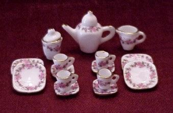 dollhouse china dishes   scale  fingertip