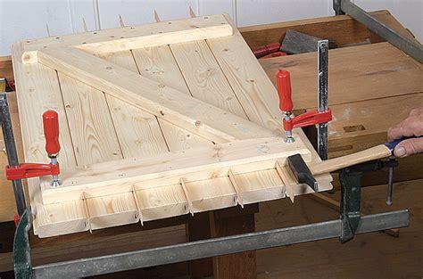 fabriquer ses volets en bois fabriquer un volet en bois diy family