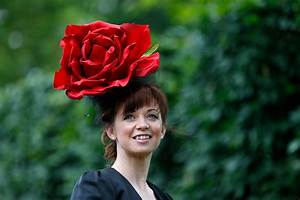 Mad Hatters: Blooming Marvellous Hats and Floral Fancies ...