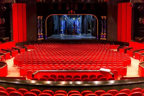 afas circustheater van spektakel op het podium tot