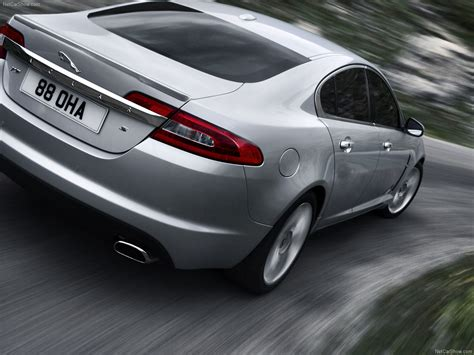 Jaguar XF (2010) - picture 4 of 7 - 1280x960