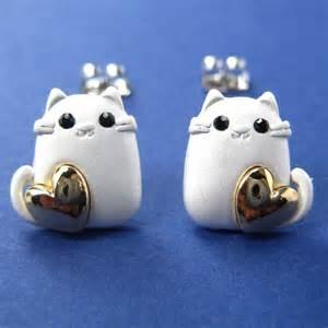 cat earrings kitty cat animal earrings in silver with gold hearts
