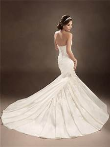 trumpet mermaid sweetheart chapel train satin pleated With trumpet mermaid wedding dress