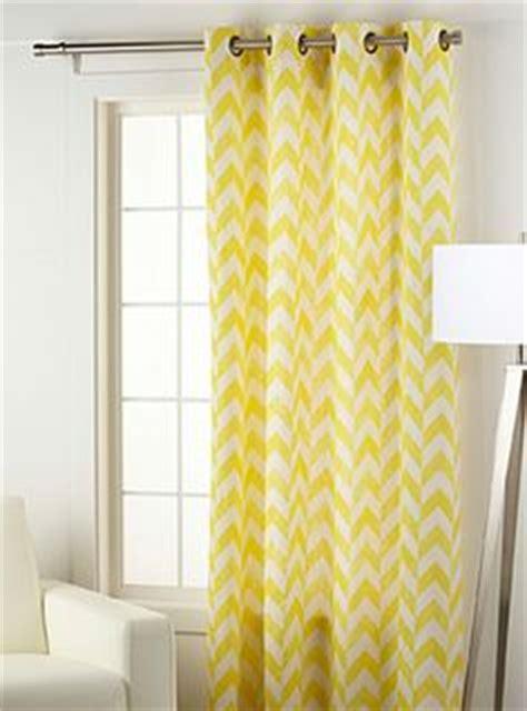 ou trouver des oeillets pour rideaux 1000 images about rideau on curtains salons and apartment