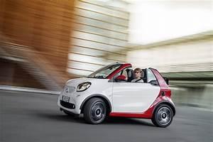 Smart Fortwo Cabriolet : la smart fortwo iii cabriolet arrive pour le salon de ~ Jslefanu.com Haus und Dekorationen