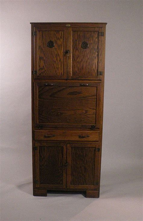 kitchen cabinet auction a 1920 s oak saver kitchen cabinet made by 2355