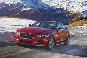 Jaguar Land Rover : jaguar land rover deliveries increase profits fall after brexit hurts the pound ~ Maxctalentgroup.com Avis de Voitures