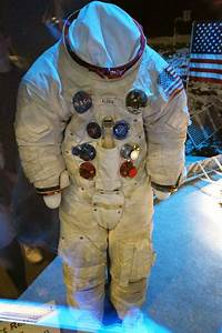 Buzz Aldrin in Space Suit - Pics about space
