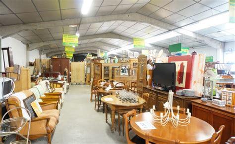 depot vente canape depot vente meuble nord table de lit a roulettes