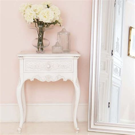 white shabby chic bedside table top 25 best shabby chic bedside tables ideas on pinterest shabby chic salon shabby chic desk