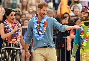 Pregnant Meghan takes break from Australia royal tour ...