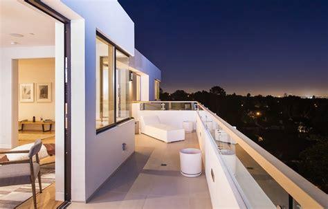 Private-balcony-design