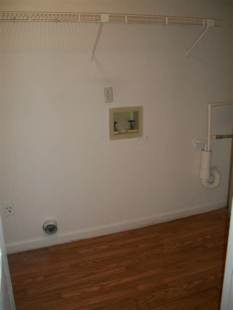 apartments  large laundry rooms  washer