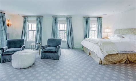 Ideas For Bedroom With Blue Carpet by 29 Beautiful Blue And White Bedroom Ideas Pictures