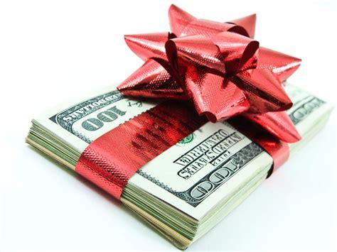 5 Money Saving Tips For The Holiday Season