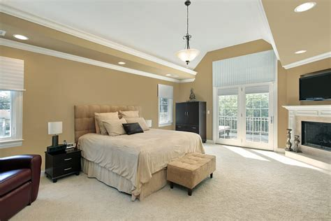 Spacious Master Bedroom Designs With Luxury Bedroom