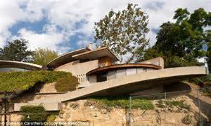 LA mansion Silvertop goes on the market for $7.5 million