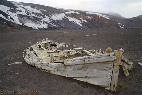 Wooden Boat Photography by Remains Of An Wooden Boat Photo Wp14369