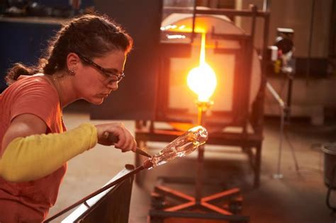 spectacle  drama  netflixs  glassblowing show