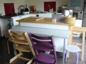 table appoint cuisine petit coin repas pour la cuisine avec cette table d
