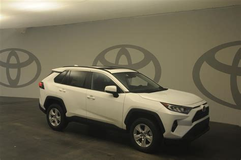 New 2020 Toyota RAV4 XLE 2WD XLE FWD SUV