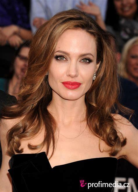 Angelina Jolie Hair Style   BakuLand   Women & Man fashion