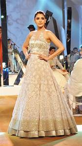 Designer Manish Malhotra launches new collection with ...