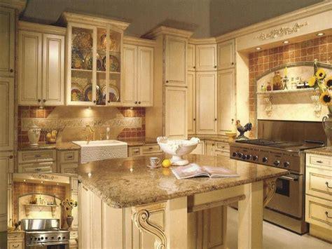 antique painted kitchen cabinets antique white painted kitchen cabinets ideas 4123