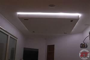 Repartition Spot Led Plafond : photo de faux plafond avec spot faux plafond moderne avec spots lumineux decoration plafond ~ Melissatoandfro.com Idées de Décoration