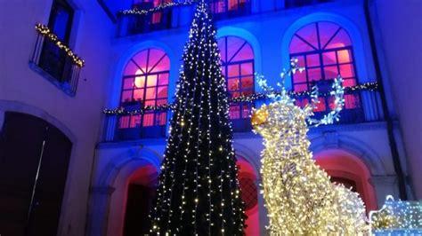 pullman candela napoli lo show luminoso di candela aperta casa di babbo natale