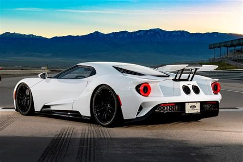 2018 Ford Gt Specs by 2018 Ford Gt Review Trims Specs And Price Carbuzz