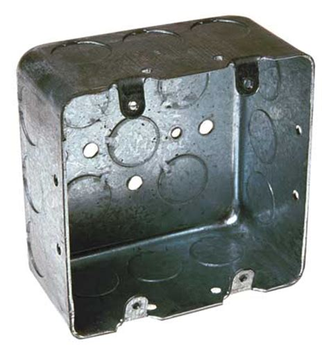 4 square box with mudring for junction at wall light