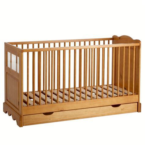 la redoute chambre bébé le lit avec tiroir en pin massif pour bébé la redoute