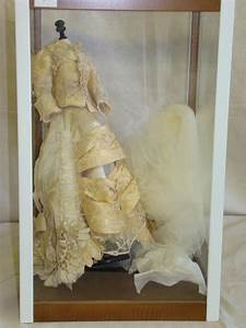 wedding dress display box With wedding dress display case