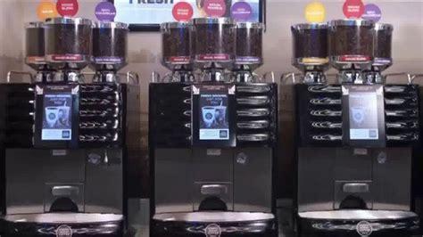 Nowy koncept sklepu na stacji circle k to nie tylko nowoczesna zmiana aranżacji i wystroju wnętrza, ale również większa przestrzeń do odpoczynku i rozszerzona oferta gastronomiczna. Circle K Simply Great Coffee TV Commercial, 'Start Your Morning Grind' - iSpot.tv