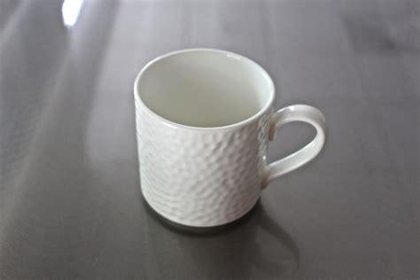 white coffee mug table manners