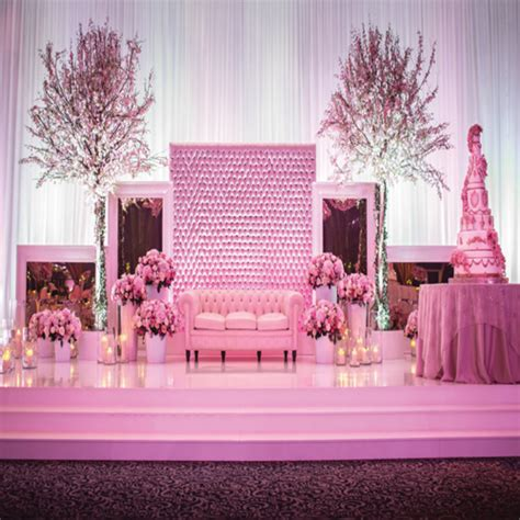 beautiful stage decor ideas for indian wedding slide 3